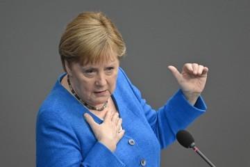Merkel: Sve zemlje bi trebale uvesti karantenu za Britaniju zbog delta soja