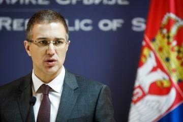Nakupile se afere, srbijanskom ministru obrane 'glava na panju': Optužuju ga da je prisluškivao samog Vučića s kojim je još od Šešeljeve ere