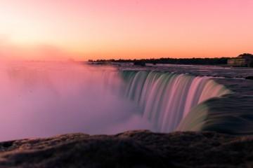 Za Dan državnosti Niagarini slapovi u Kanadi i SAD-u će biti osvijetljeni u bojama hrvatske zastave