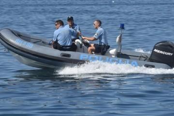 U pomorskoj nesreći kraj Trogira poginula žena, a njene dvije kćeri su ozlijeđene. Svjedoci tvrde da je jet-skijem udarila u jedrilicu