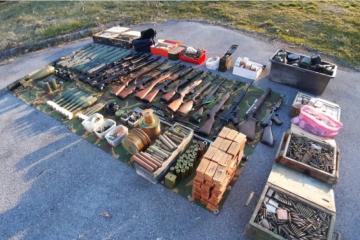 POLICIJA U ŠOKU Siščanin dragovoljno predao nezabilježenu količinu oružja kojom bi se mogla naoružati jedna vojna postrojba