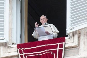 Papa Franjo  podržao legalizaciju gej životnog partnerstva: Homoseksualci su Božja djeca i imaju pravo na obitelj