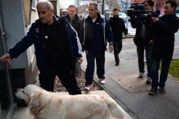 PET DANA NAKON SPROVODA Što se dogodilo šetaču Bandićeva psa: Doznali smo zašto je Dragec završio u bolnici razbijene glave
