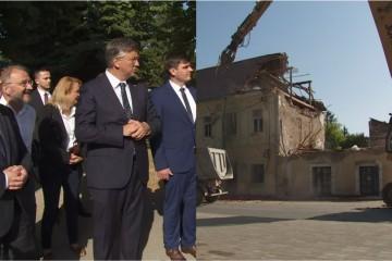 Plenković s Medvedom prisustvovao uklanjanju ruševina u Petrinji