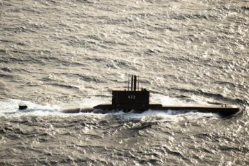 PRAVA HAVARIJA: Još uvijek se traga za nestalom podmornicom s 53 člana posade. Uočena je naftna mrlja na površini mora