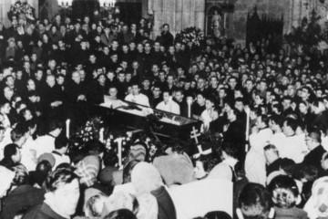13. veljače 1960. ukop kardinala Stepinca – Udba i komunisti šokirani odanošću Hrvata pokojnom nadbiskupu