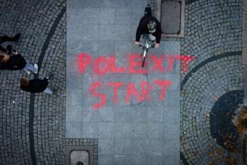 Ne, Poljska neće izaći iz Europske unije jer od nje previše dobiva. Ali može izazvati opasan domino-efekt
