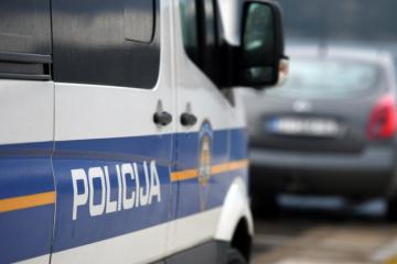 TRAGEDIJA NA POSLU: Smrtno stradao 37-godišnji djelatnik Hrvatskih šuma, tijekom rušenja na njega palo stablo