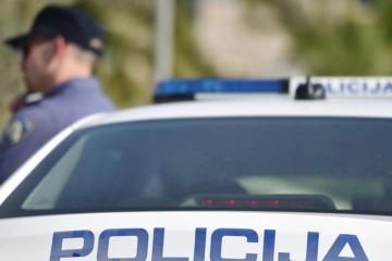 Tragedija u Kninu: U automobilu pronađeno beživotno tijelo maloljetnog djeteta