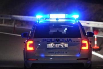 Pucnjava u Otočcu: U ugostiteljskom objektu upucan muškarac, prevezen u bolnicu u Gospić