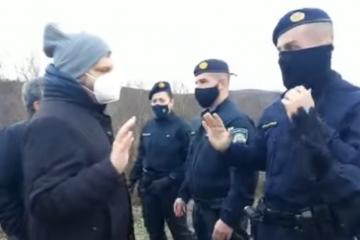 Reakcija Željka Sačić: Hrvatski policajci jurili europarlamentarce koji su pokušali doći do punkta u šumi gdje se zaustavljaju migranti????