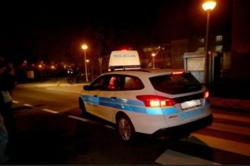 PRED ŠOKIRANIM ZAGREPČANIMA: Policija prepriječila put tramvaju i uhitila maloljetnika!