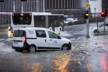 DHMZ IZDAO OZBILJNO UPOZORENJE: Dijelovima Hrvatske prijete poplave!
