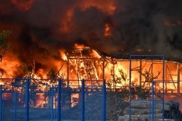 Veliki požar: Vatrogasne sirene i crni gusti dim uznemirili građane Čakovca
