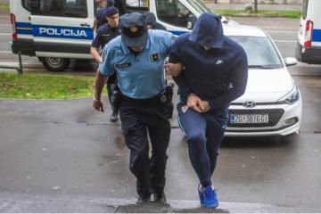 Revoltirani muškarac zamalo pregazio ženu s djetetom zbog svađe, a potom je krenuo na 49-godišnjaka koji je pokušao spriječiti u bijegu