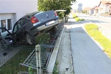 Vozač s 3,08 promila napravio neviđen rusvaj! Ispao mu i motor iz vozila!