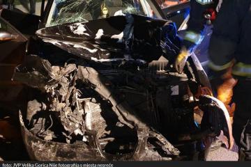 HOROR U ZAPREŠIĆU! TEŠKA PROMETNA NESREĆA: Vozilo se prepolovilo! Poginula jedna osoba