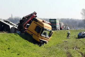 Užas u Bjelovaru: Dvoje mrtvih u sudaru automobila i kamiona