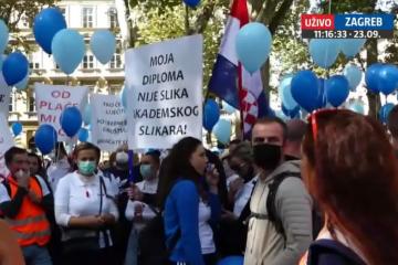 Počeo prosvjed medicinskih sestara i tehničara u Zagrebu: 'Mi se ne protivimo cijepljenju'