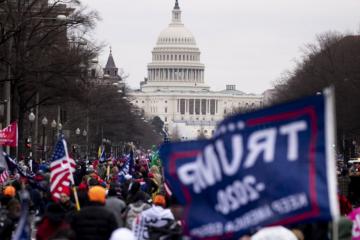 [UŽIVO/VIDEO] Drama u Washingtonu! Prosvjednici pokušavaju upasti u zgradu američkog Kongresa