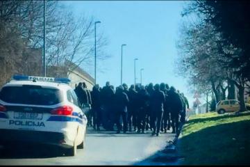 BBB prosvjedovali u Vukovaru: Tražili smjenu Grbića, kojeg optužuju za maltretiranje dvojice hrvatskih navijača