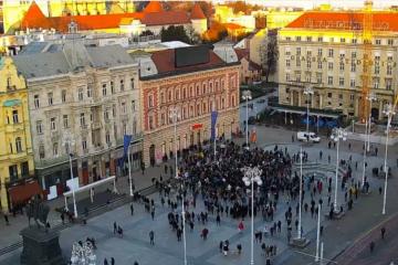 NA GLAVNOM ZAGREBAČKOM TRGU PROTEST PROTIV STOŽERA: Prosvjednici iznijeli svoje zahtjeve