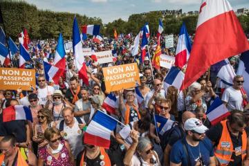U Francuskoj i Švicarskoj deseci tisuća prosvjednika protiv covid propusnice