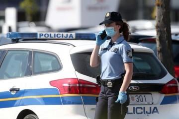 Incident u Centru za socijalnu skrb Đakovo: Žena se uznemirila i vikala na zaposlene, došle policija i hitna
