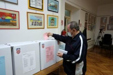 Lokalni izbori i izborni proces: Evo kako je to organizirano u potresu pogođenoj Petrinji