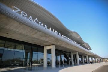 PRAVA MALA DRAMA NA NEBU IZNAD ZAGREBA: Zrakoplov hitno i prisilno sletio na pistu ZL Franjo Tuđman! Pozvani su i vatrogasci