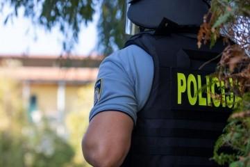 Sinjski policajci spriječili muškarca da se zapali na javnom mjestu