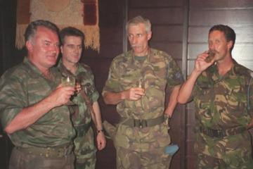 Poglavlje koje nedostaje: I Nizozemska je odgovorna za genocid u Srebrenici!