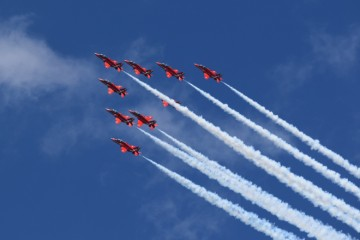 (VIDEO) OVO ODUZIMA DAH! Britanska akrobatska grupa 'Red Arrows' sletjela u Hrvatsku!