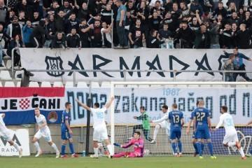 Kada ga zaljulja potres od 2 Drmića, i moćni Dinamo gubi tlo po nogama! Ali Rijeka ima velik problem...