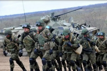 Rusija pokrenula velike vojne vježbe na Krimu