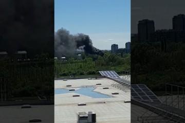 CRNI DIM U TRAVNOM! Gori na Sarajevskoj, građani ne znaju što se događa! Vatrogasci su na terenu