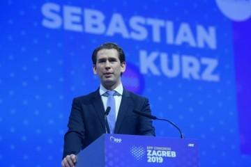 IZBJEGLICE NE MOGU PREKO KURZA! Kancelar ima jasnu poruku: 'Neka ih prime Turkmenistan i Uzbekistan koji su primili samo 27 izbjeglica'