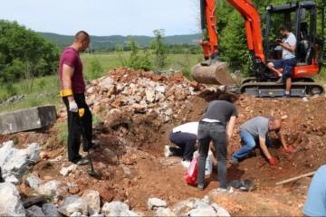 Izvršena ekshumacija šest tijela hrvatskih vojnika s Čarapova polja na Privalju kod Širokog Brijega
