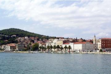 10. travnja 1947. Split – mladi hrvatski domoljubi skinuli jugoslavensku zastavu s Marjana