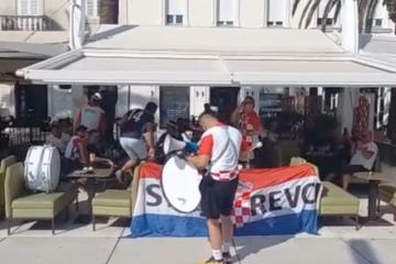 Sastav: Livaja u napadu, Vlašić na klupi!?; Video: Bubnjevi i pjesma zapalili Split, pogledajte atmosferu