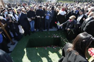 Zbog kršenja mjera na sprovodu Milana Bandića kažnjeni Holding i Gradska groblja, evo kolika je kazna