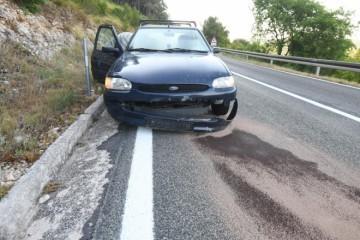 OPREZ! Padaju stijene nakon potresa u Dalmaciji, jedna je pogodila auto, druga pala u dvorište kuće… Jedna osoba ozlijeđena!