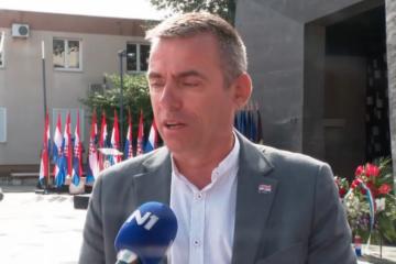 OD SVIH SU NAŠLI NJEGA DA GOVORI! Mlinarića zasmetao branitelj za govornicom: 'Ne idem na stadion, razlog su barikade!'