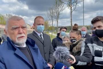 Mesić: 'HOS nije oslobodio Hrvatsku, njihov pozdrav treba zabraniti'