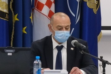 Ministru Tomi Medvedu pao je vrući krumpir u krilo!