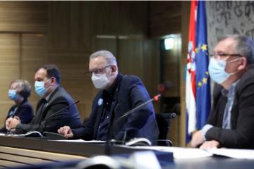Božinović: Kafići i restorani mogu raditi do 22 sata, nema glazbe, potreban razmak