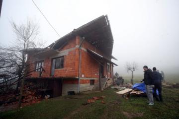 Samo 40 posto doniranog novca ide na obnovu kuća nakon potresa