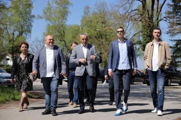 Kandidat HDZ-a, HSLS-a i HSU-a za gradonačelnika Grada Zagreba, Davor Filipović obišao gradske četvrti Brezovica i štandove na Utrini i u Donjem Gradu
