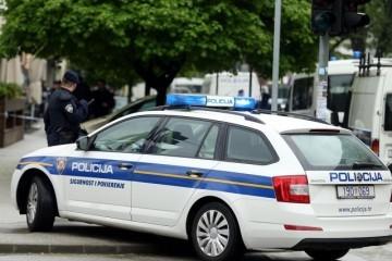 OPREZNO U PROMETU - Velike gužve zbog sudara autobusa i automobila, ozlijeđen vozač