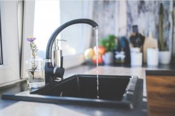 OMILJENO OKUPLJALIŠTE BAKTERIJA U KUHINJI: Ovih PET mjesta u vašem domu je najprljavije i NAJOPASNIJE za zdravlje!